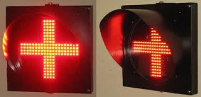 Đèn giao thông chữ thập