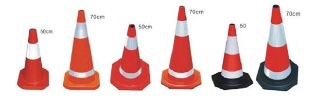 Giá chóp nón giao thông