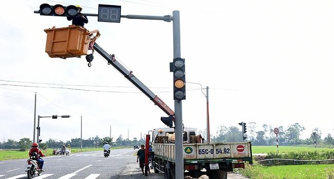Thi công đèn tín hiệu giao thông