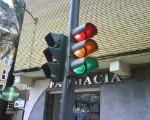 Cấu tạo của cột đèn giao thông